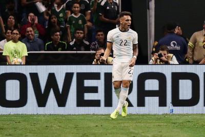 México recibe 'amistosa' goleada de Argentina