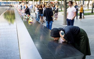 Estadounidenses rindieron homenaje a los fallecidos.