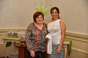 11092019 SE CASARá EN BREVE.  Maritere De la Fuente en compañía de su mamá María Teresa Salinas de De La Fuente.