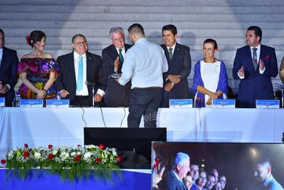 Se realizó una sesión solemne de Cabildo.