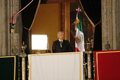 El presidente de México, Andrés Manuel López Obrador, celebró este domingo su primer Grito de Independencia como mandatario del país con vivas destacados a los héroes anónimos de esta gesta histórica y a las comunidades indígenas.