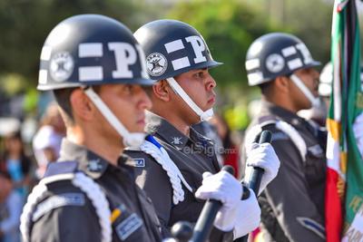Se realizó el tradicional desfile cívico y militar.