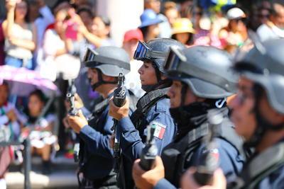 Realizan desfile cívico militar en Durango por el 209 aniversario de la Independencia