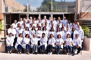 15092019 LA FOTO DEL RECUERDO.  XXlll Generación de la Facultad de Medicina.