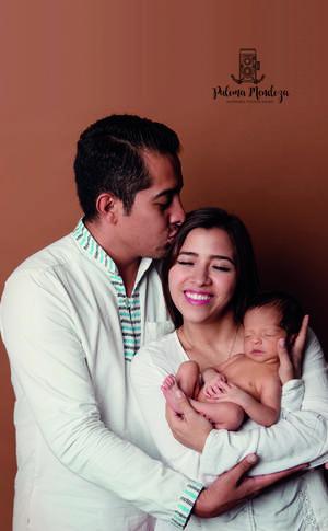 15092019 La Familia Castillo Falcón celebrando la llegada de su primogénito el bebé Marcelo.-Estudio Paloma Mendoza