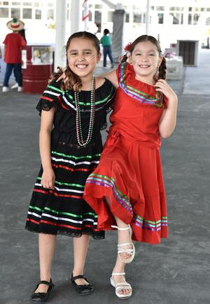 16092019 Consuelo y Emely.
