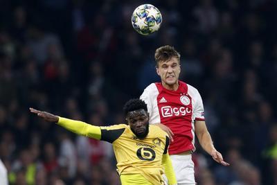Ajax vence al Lille en Champions con gol de Álvarez