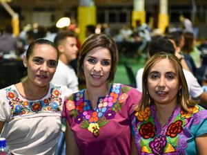 18092019 MUY MEXICANAS.  Mónica, Claudia y Gaby.