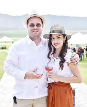 Luis Leal y Lorena Gonzalez