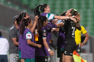 Celebración de gol de Yahaira Flores 8     Santos vs Cruz  juego correspondiente a la jornada 10 de la apertura 2019 de la Liga MX femenil en TSM Oficial - lunes 16 de septiembre de 2019 21:00h