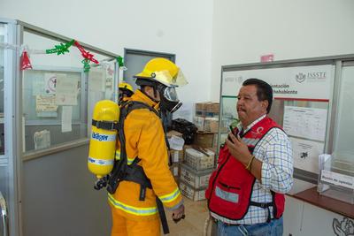 También se dirigió la evacuación y concentración de gente en los puntos definidos.