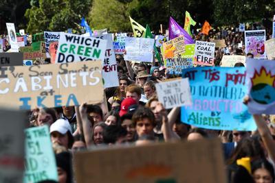 Millones de jóvenes iniciaron en las calles de varias ciudades del planeta la Semana Mundial de Acción por el Clima.