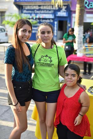 20092019 Ana, Sofía y Jaquie.