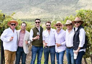 20092019 EXPERIENCIA EN LOS VIñEDOS.   Paco, Daniel, Damián, Roberto, Ricardo, Rodrigo y Daniel.