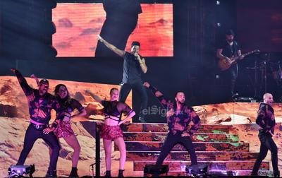 Su concierto se realizó en la explanada de la Feria de Torreón.
