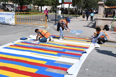Dentro de los antecedentes de este concurso, exponen a las calles y banquetas como espacios públicos indispensables para la movilidad en la ciudad.