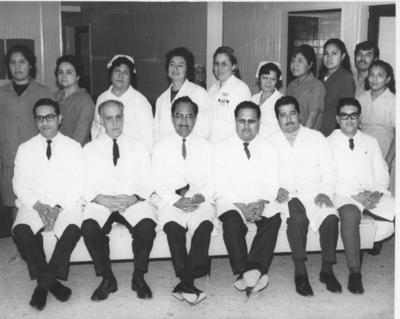 Personal de la clínica que tenía Ferrocarriles Nacionales de México para atención a sus trabajadores, en esta ciudad en 1969.
