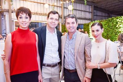 Vicky y Oscar Murra,Roberto y Angelina Garcia.