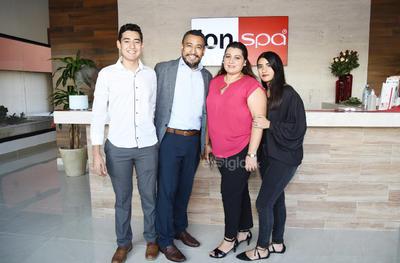 Osvaldo, Héctor, Gloria y Pamela.