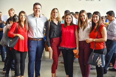 Elisa, Mario, Jeniffer, Barbara, Mariana y Alondra.