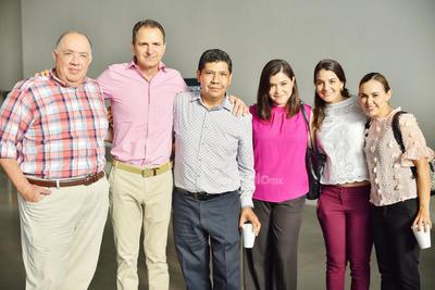 Ricardo, Carlos, César, Diana, Nury y Daniela.