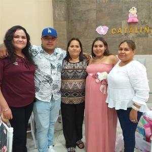 22092019 FELICITAN A LA FUTURA MAMá.  Mariana, Óscar, Claudia, y Sandy, festejando el baby shower de Diana.