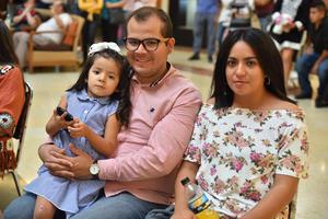 22092019 Irving, Karla y Frida.