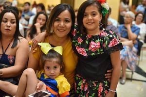 21092019 EN EL MALL.  Sofía, Mirna y Paulina.