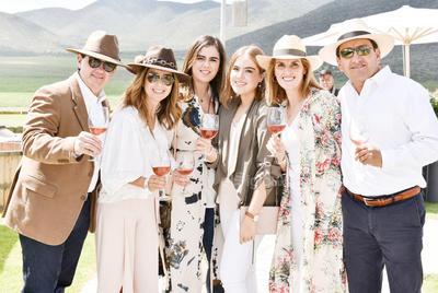Ricardo Rebollo,Maria Rosa Ramirez,Isabela Rebollo,Angeles Calderon,Angeles Lopez y Mario Calderon.