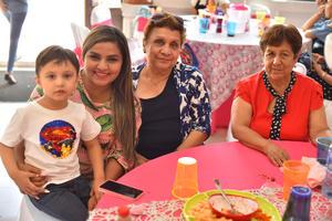 24092019 FESTEJO INFANTIL.  Santiago, Karen, Estela y Ángeles.