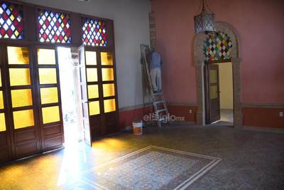 Ultiman detalles de la restauración de la Casa Mudéjar, un edificio histórico que será destinado a eventos multipropósitos de cultura.