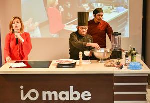 25092019 Nury Farrús de Murra y los expertos chefs en acción.