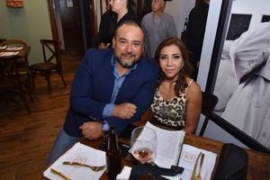 25092019 Héctor y Adriana.