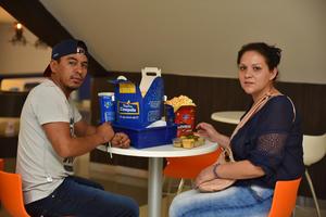 25092019 Manuel y Lizeth.