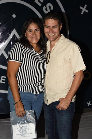 25092019 EVENTO ESCOLAR.  Enrique y Paola.