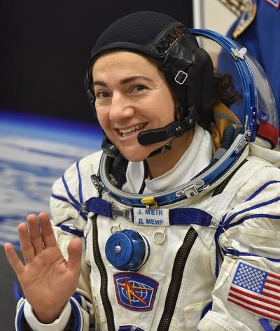 Los nuevos tripulantes proseguirán con experimentos científicos ya iniciados por sus compañeros.