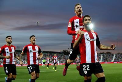 Los jugadores del Athletic celebran el gol marcado por su compañero Raúl García ante el Leganés.