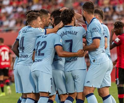Los jugadores del Atlético de Madrid celebran el gol marcado ante el Mallorca por su compañero, Diego Costa.