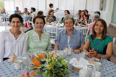 Festeja cumpleaños Luisa Von Bertrab
