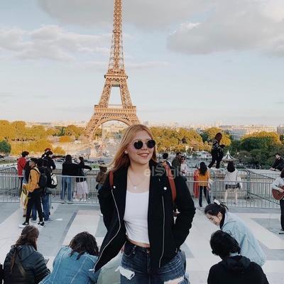 Mishel durante su divertido viaje a París.