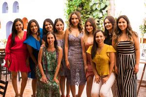 26092019 BODA EN PUERTA.  En conocido restaurante tuvo lugar la despedida de soltera de Rocío Aispuro, quien se mostró feliz por todas las muestras de cariño recibidas por parte de amigas cercanas y familiares.