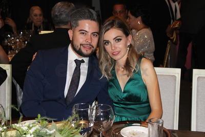 Saúl Anima y Mercedes de La Peña.