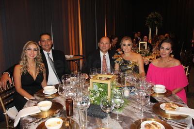 Norma Faudoa, Othon Martínez, Gustavo Puente, Judith Dalahanty y Claudia Murillo.