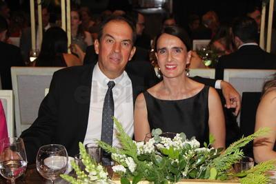 Jorge Estrada y Marcela Mijares de Estrada.