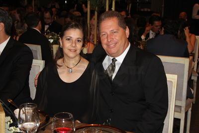 Gabriela Mijares y  Alberto Enríquez.