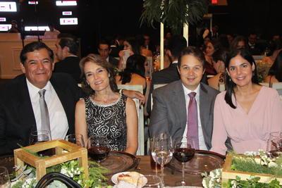 Jaime Matuk, Maritza Mijares, Daniela Mijares y Marifer Martínez.