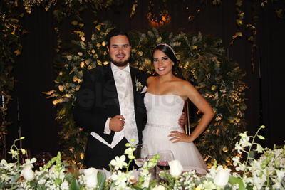 Hermosa pareja: Annie de la Parra y David Mijares.