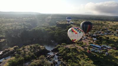 Desde temprano varios globos surcaron el cielo de Durango.