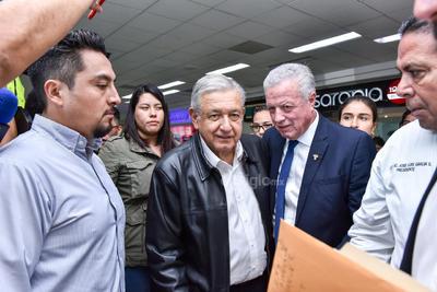Fue recibido por el alcalde de Torreón, Jorge Zermeño.