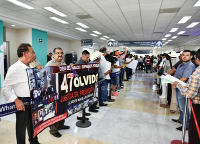 El presidente llegó al aeropuerto de Torreón.